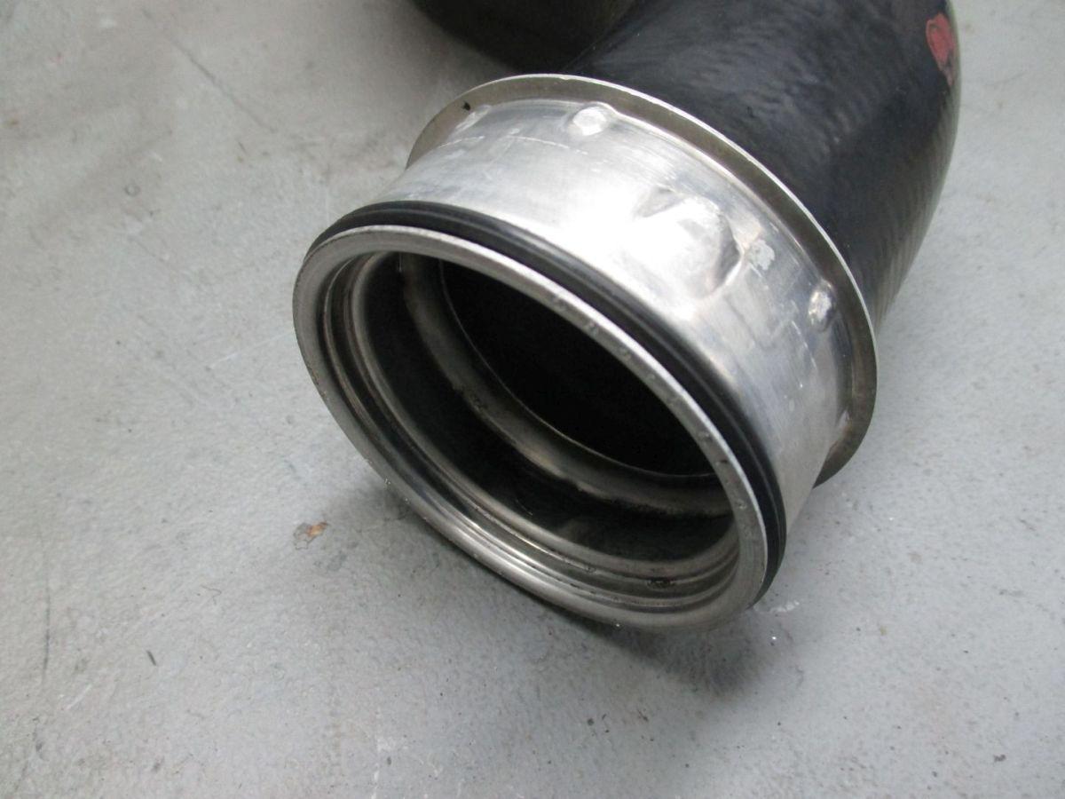 Manguera-de-aire-Tubo-aspiracion-A2115282882-MERCEDES-CLASE-E-Blanco-Negro-211-e