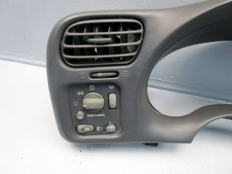 Verkleidung Armaturenbrett inkl. LichtschalterCHEVROLET BLAZER S10 4.3 V6 AWD
