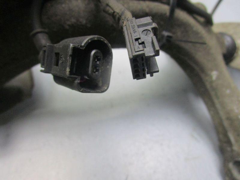 Achsschenkel Radnabe rechts vorn AUDI A4 AVANT (8ED, B7) 2.0 TDI