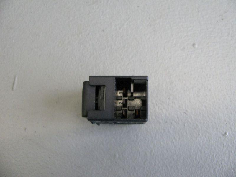 Schalter Fensterheber rechts vorn VW BORA KOMBI (1J6) 1.9 TDI