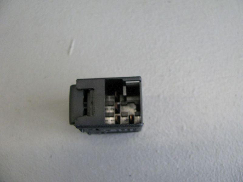Schalter Fensterheber links hinten VW BORA KOMBI (1J6) 1.9 TDI